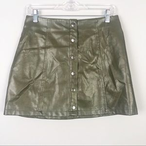Forever 21 | Green Faux Leather Skirt